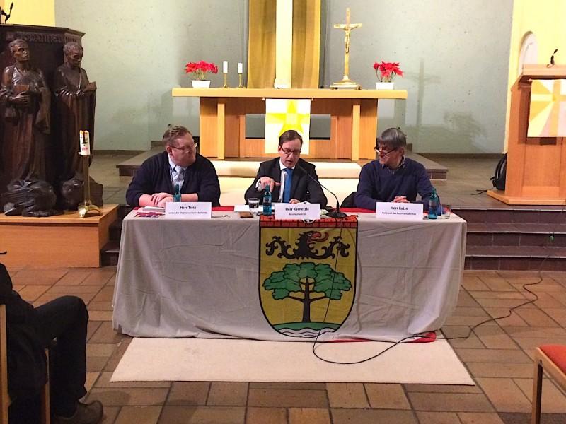 Bezirksamt diskutiert mit Bürgern erste Erfahrungen mit der Teilsperrung der Moltkebrücke